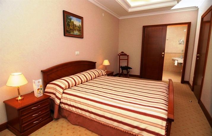 Отель Авалон