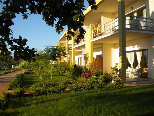 Gold zanzibar beach house spa kendwa compare deals - Home salon zanzibar ...