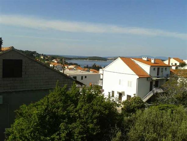 Apartments Laura Hvar - dream vacation