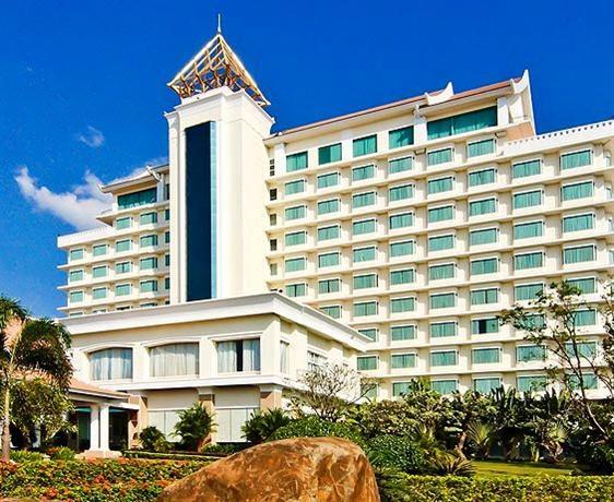 참파삭 그랜드 호텔