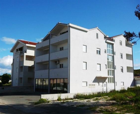 Perica Apartments - dream vacation