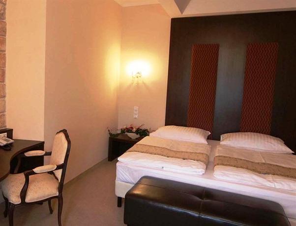 Hotel Kristaly Tata - dream vacation