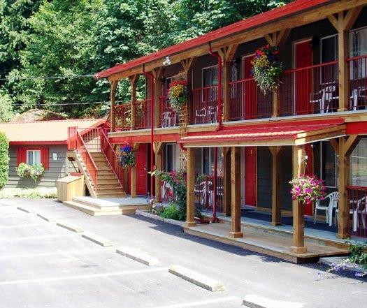 Holiday Motel & RV Resort Images