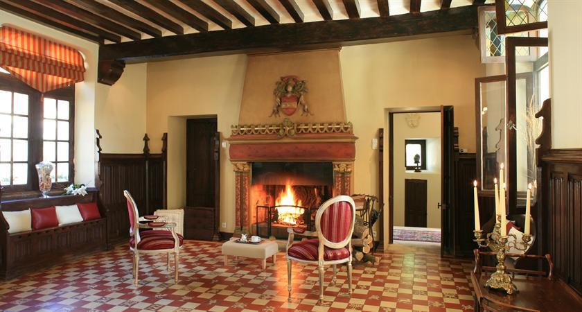 manoir saint charles remy compare deals. Black Bedroom Furniture Sets. Home Design Ideas