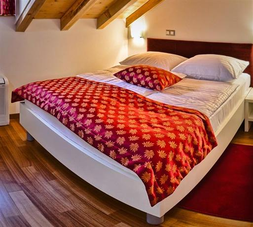 Hotel Monika Trogir - dream vacation