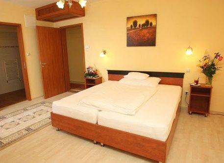 Aranykorona Restaurant and Hotel - dream vacation