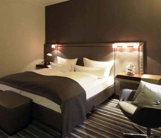 Steigenberger Airport Hotel Berlin Images