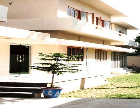 Royal Inn Guest House Karachi - dream vacation