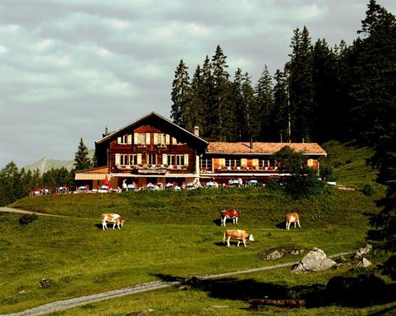 Hotel Oeschinensee im UNESCO-Welterbe - dream vacation