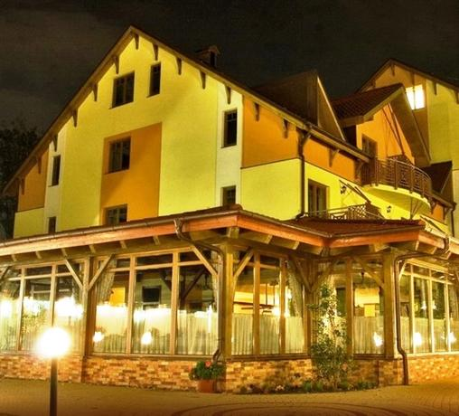 Acc-Nifos Bonbon Hotel - Bratislava -