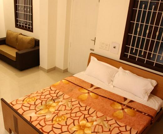 Juhu Grand Service Apartment