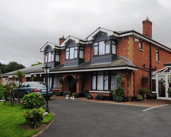 Banner House Bed & Breakfast Rathcoole - dream vacation