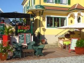 Dorf Hotel Gruner Baum Maria Laach am Jauerling - dream vacation