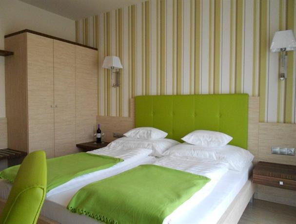 Gokart Hotel - dream vacation