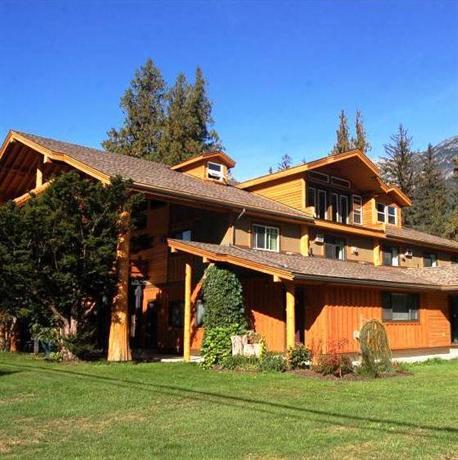 Bella Coola Mountain Lodge Images