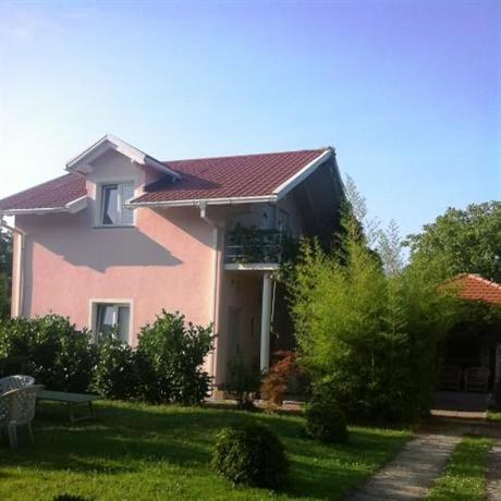 Rooms Zimmer Airport Zagreb - dream vacation