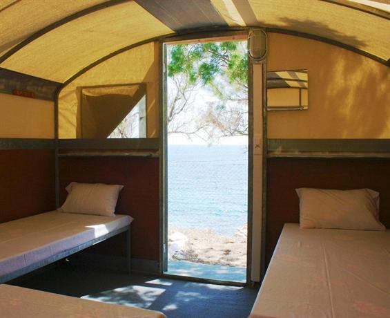 Paraga Beach Hostel - dream vacation