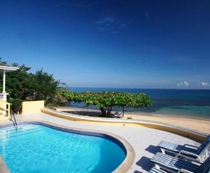 Paradise Runaway Bay 3 Bed Beachfront Villa - dream vacation