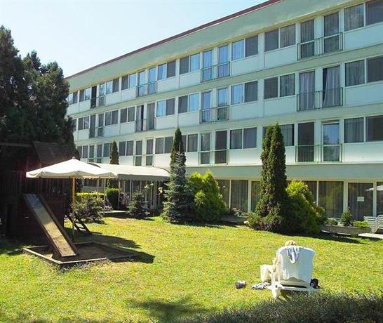 Maria Hotel Balatonmariafurdo - dream vacation