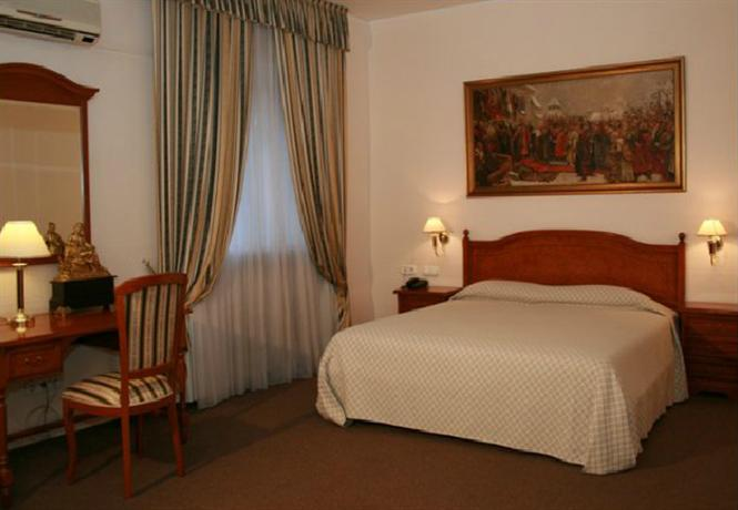 Academy Dnipropetrovsk Hotel - dream vacation