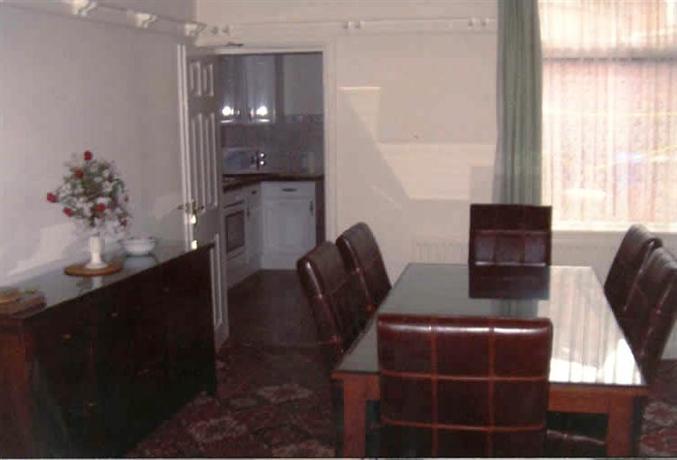 Spa Holiday Apartments_10