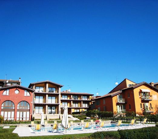 Residence Corte Ferrari Moniga del Garda - dream vacation