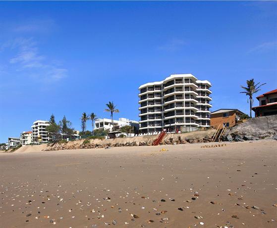 Photo: Spindrift on the Beach