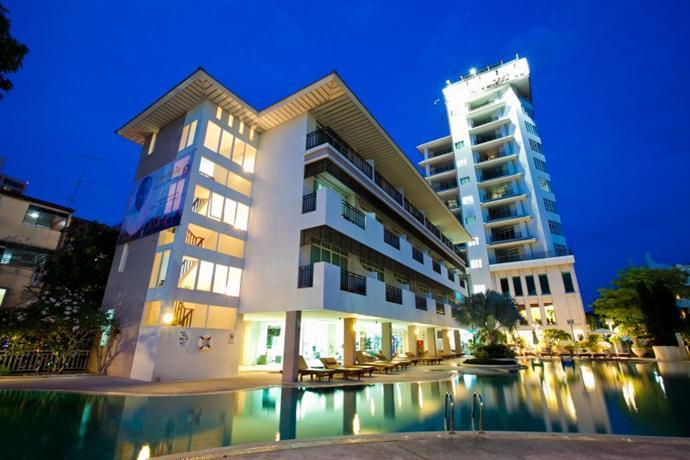 Pattaya Discovery Beach Hotel Отель Паттайя Дисковери Бич