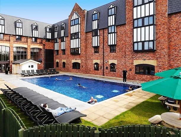 Village Hotel Warrington - dream vacation