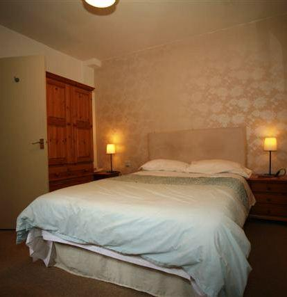 Blossoms Guest House York - dream vacation