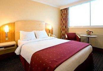 Holiday Inn Express London Heathrow T5_13