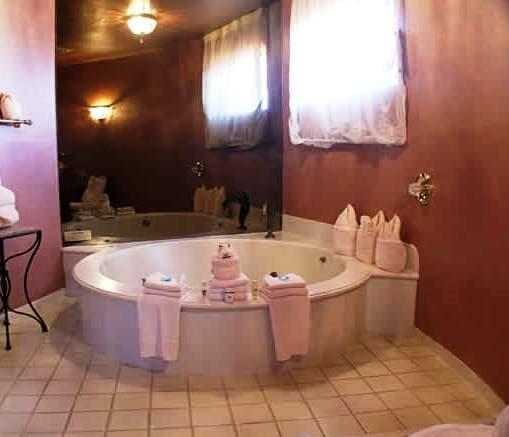 el morro masterpiece motel morro bay compare deals. Black Bedroom Furniture Sets. Home Design Ideas