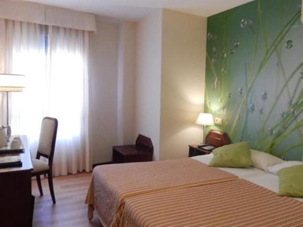 Hotel Plaza Santa Lucia - Séville -