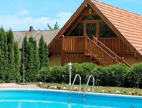 Pool Vendeghaz - dream vacation