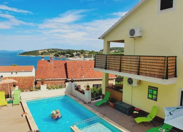Sunshine Apartments Lumbarda - dream vacation