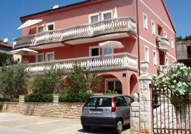 Apartmani Peric - dream vacation