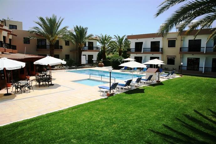 Hadjiantoni anna hotel apartments paphos compare deals for Hotel appart metz