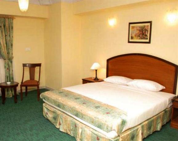 Hotel Crown Inn Karachi - dream vacation