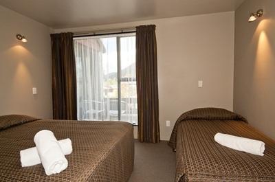 Alpine Glacier Motel Lodge Franz Josef_11
