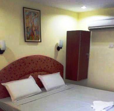 Hotel U. R.