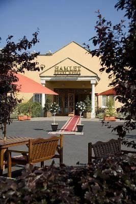 Hamlet Court Hotel Enfield Ireland - dream vacation