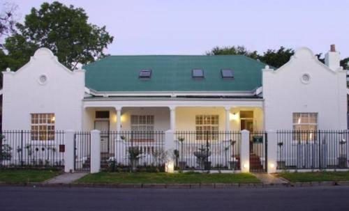 Aan Dorpstraat Guest House Stellenbosch - dream vacation