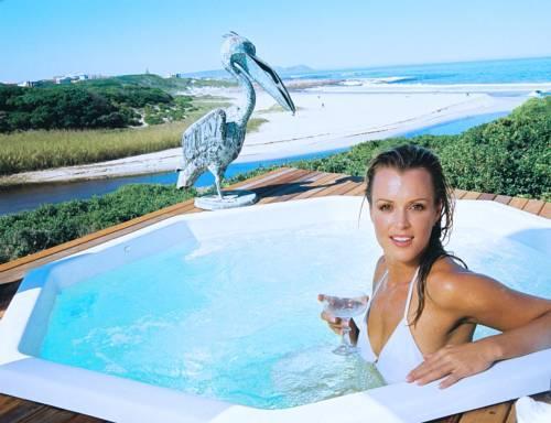 Kennedy\'s Beach Villa - dream vacation