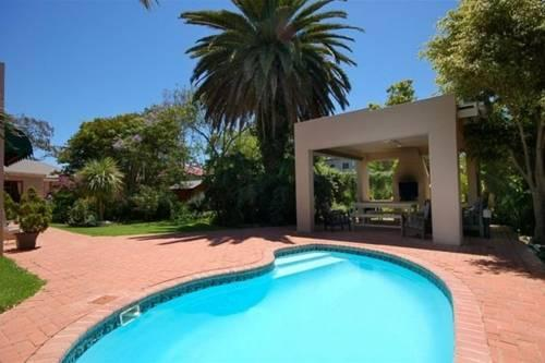 17 5th Avenue Walmer Guesthouse - dream vacation