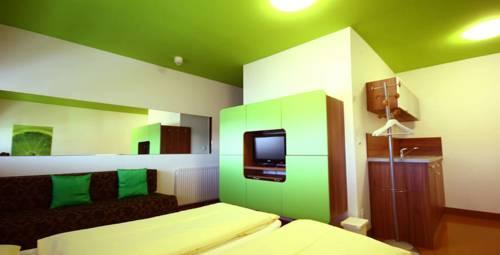 Greenrooms - dream vacation