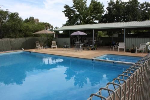 Allonville Gardens Motel - dream vacation