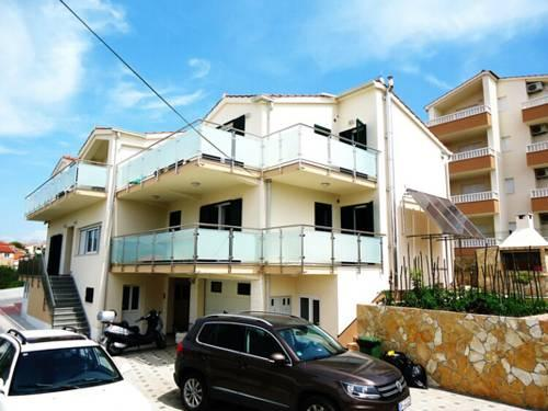 Apartments Cavar - dream vacation