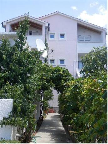 Apartments Leonarda - dream vacation