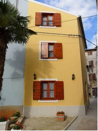 Apartments Villa Chersin - dream vacation