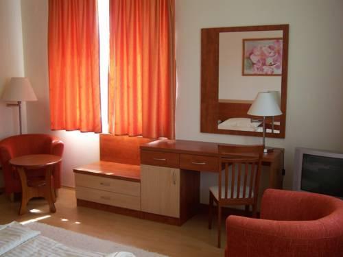 Hotel Relax Apartman Sarvar - dream vacation